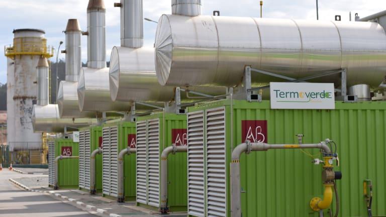 Five of the 21 modular generators at Termoverde Caieiras.