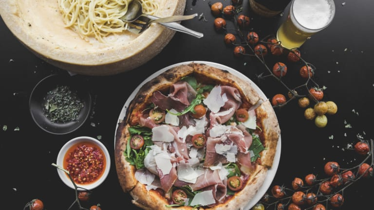 Molto serving up an Italian feed, plus views, this December 31.