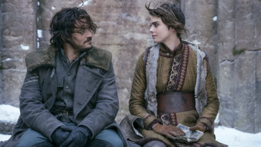 Orlando Bloom as Rycroft Philostrate and Cara Delevingne as Vignette Stonemoss in Carnival Row.