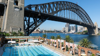 Councillors fight plan to shut North Sydney Olympic Pool during summer