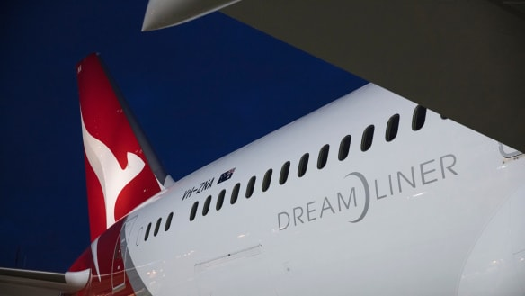 Qantas opens direct link to Europe with historic Perth-London flight