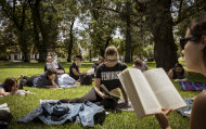 A good old Aussie picnic, er, silent reading party at Carlton Gardens.