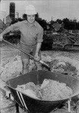 Jack Mundey at work on the St Vincent's Hospital building site in 1974.