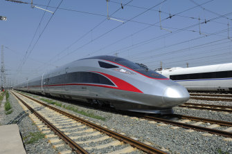 China leads the world in developing an extensive high-speed train network, with more than 30,000 kilometres.