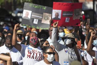 People protest the killing of black runner Ahmaud Arbery in Brunswick, Georgia, US.