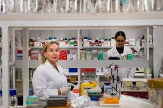 Sharon Ricardo (left) leads a team of researchers.