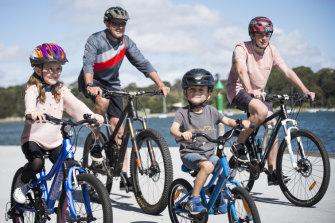 David Burton with Finn 18, Mia 8, Max 5, in Drummoyne getting ready for Spring Cycle 2019.