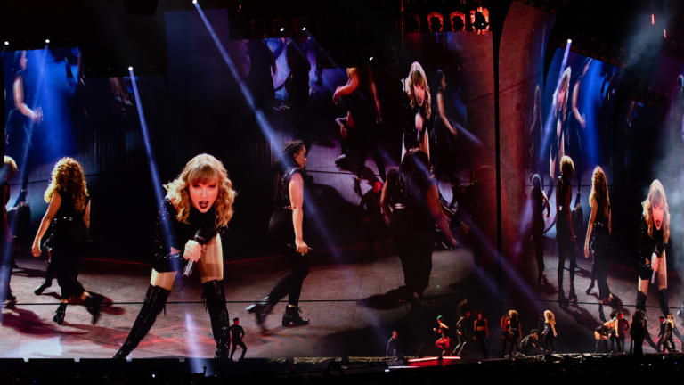 Haters gonna hate, but Tay Tay's gonna sing.