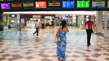Experts examining Queensland Rail have recommended a new public transport model for Queensland.