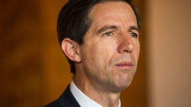 Federal Education Minister Simon Birmingham is hoping the rest of the nation will follow South Australia.