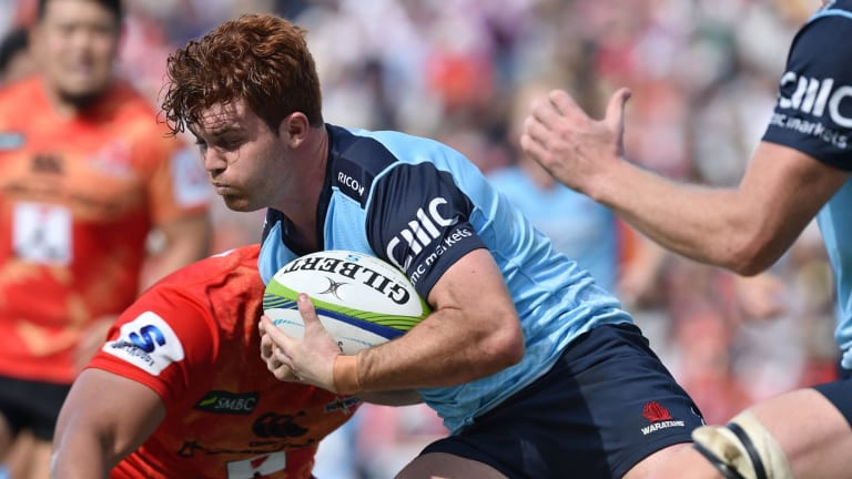 On the burst: Andrew Kellaway runs with the ball against the Sunwolves.