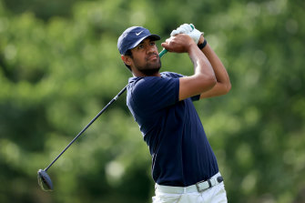 American Tony Finau leads after the first round of The Memorial.