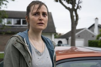 Sandra (Clare Dunne) is a single mother looking to escape her abusive ex.