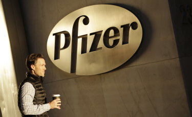 Pfizer\'s concession to Donald Trump not to lift prices leaves it in a minority.
