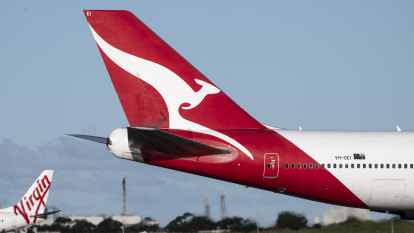 Transport Workers Union wins case against Qantas over outsourcing of ground crews