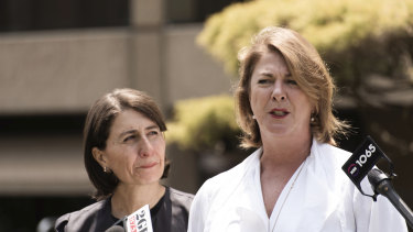 The Commonwealth has given Water Minister Melinda Pavey, pictured talking to media with Premier Gladys Berejiklian in November, until the end of April to finish water plans.