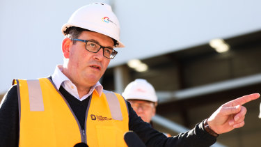 Victorian Premier Daniel Andrews will take his plan to slash overseas arrivals to national cabinet on Friday morning.