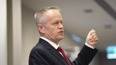 Bill Shorten has made it clear that there'll be no pilgrimages to see Murdoch.