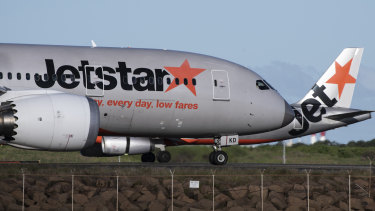 It's a tough battle for customers to get Jetstar cash refunds.