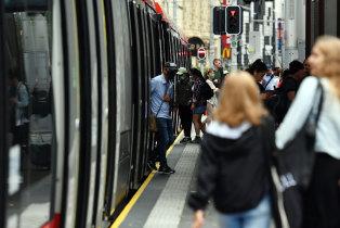 Light rail commuters on George Street.