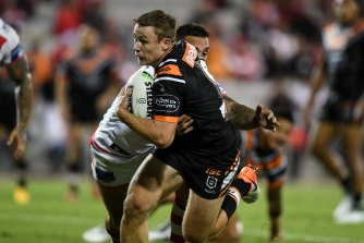 Billy Walters has taken up an option in his favour at Wests Tigers for 2021.