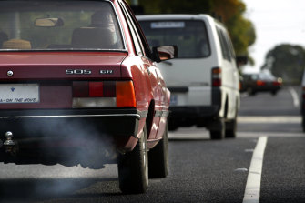 Electric vehicles are key to reducing vehicle transport emissions, the NRMA says.