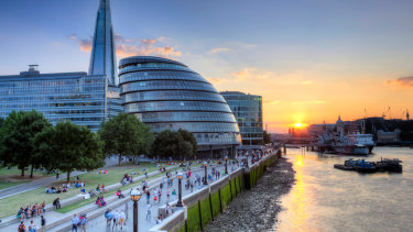 City Hall in London, on the Thames ... a future-city project that began more than two centuries ago.