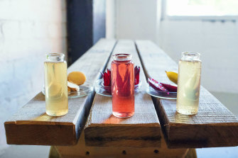 Kombucha is replacing alcohol as a popular choice in bars as drinking habits shift towards more healthy alternatives.