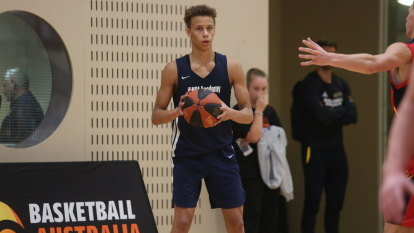 'He's kind of unique, a throwback': Dyson Daniels follows in Ben Simmons' footsteps in making Boomers debut
