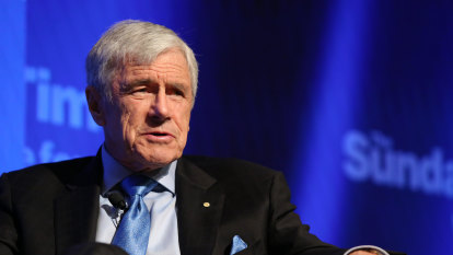 'Discredited': Former War Memorial historian calls for Kerry Stokes to stand down