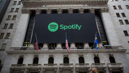 Apple and Spotify's podcast plays could leave smaller shows behind
