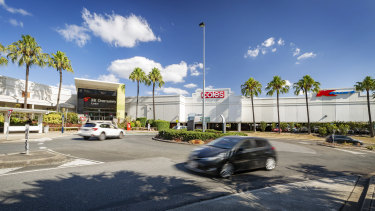 YFG Shopping Centres will take full ownership of Brisbane's Mt Ommaney Shopping Centre following the $285m deal.
