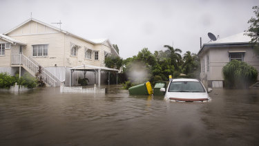 Floods are threatening hundreds of homes in the Townsville area.