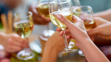 Women are returning to their pre-pregnancy drinking habits within five years.