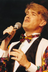 A young Simon Gallaher in his performing days.