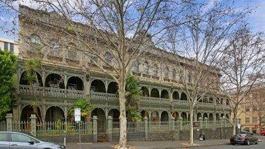 The full row. Tasma Terrace, Paliament Place, Melbourne.