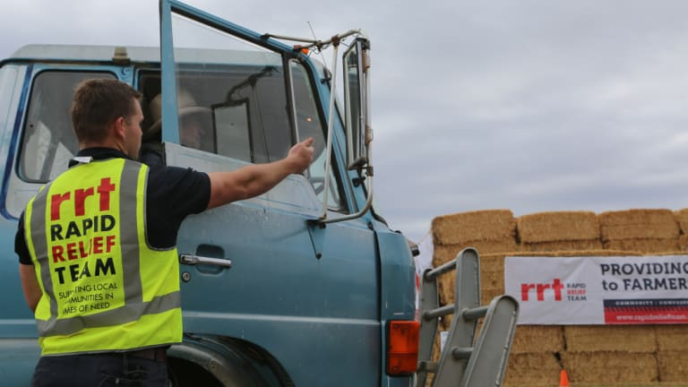 The Rapid Relief Team at an earlier hay delivery, this time in Gunnedah.