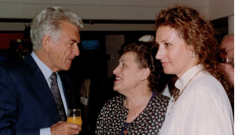 Gisella Scheinberg with Bob Hawke at Holdsworth Galleries.