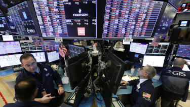 Wall Street has recovered much quicker then the US economy, which adds up to more riches for the wealthiest Americans.