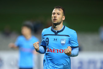 With no football being played back home in England, Adam Le Fondre says it's the A-League's time to shine.