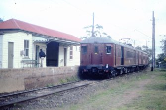 """A """"red rattler"""" pulls into Rydalmere station in September 1984."""