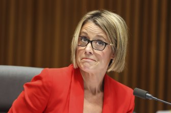 Opposition home affairs spokeswoman Kristina Keneally is flying to Christmas Island on a commercial flight after a government-approved committee trip was cancelled.