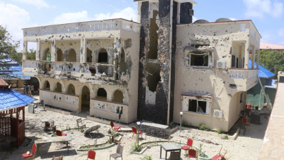 At least 26 dead from Islamic extremist attack on Somali hotel