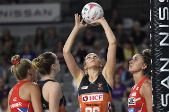 Jo Harten almost singled-handedly earned the Giants a late draw against the Swifts.