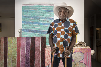 Artist Ngarralja Tommy May won the Telstra Art Award.