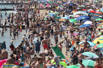 Police issued more than 500 fines on June 25, 2020, to people crowding Bournemouth beach.