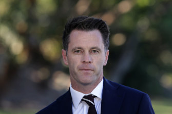 Labor's Chris Minns has quit the frontbench in protest over a dirt file on him being leaked.