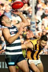 Juggling a mark: Tom Hawkins.
