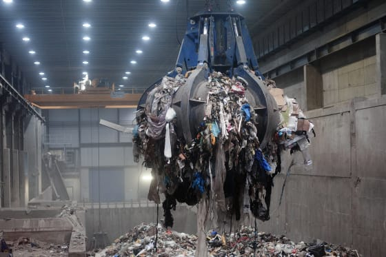 Should Australia be turning its rubbish into electricity?