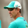 Langer backed to handle dressing room 'politics'